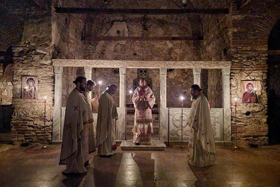 Сеноќно бдение во Водоча на Светата Педесетница